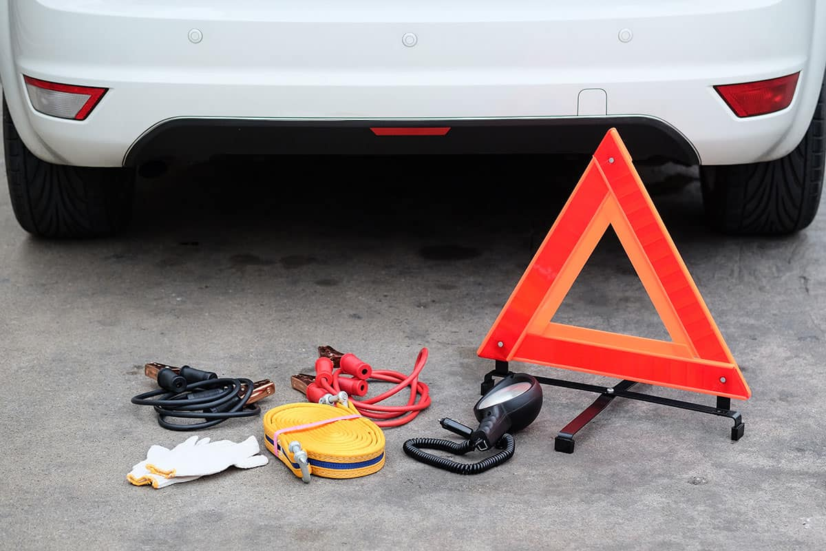 Helpful Tips For Managing Roadside Car Emergencies